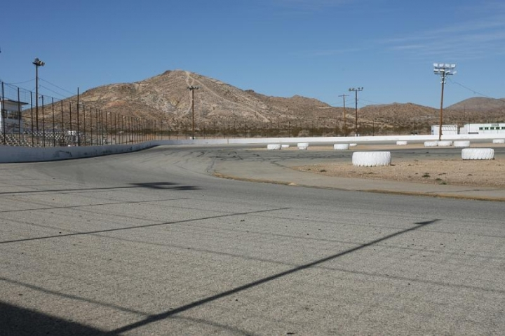 Speedway.Willow Springs
